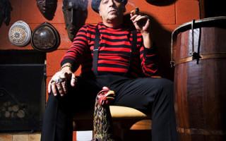 Nasi - cantor/músico - Revista Lounge